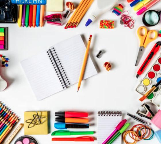 gran variedad de utiles escolares