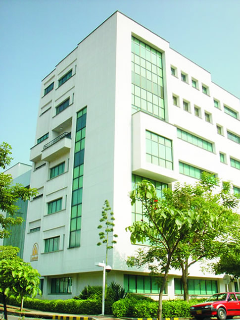 fachada sede principal comfenalco santander Bucaramanga