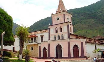 iglesia en municipio de california Santander
