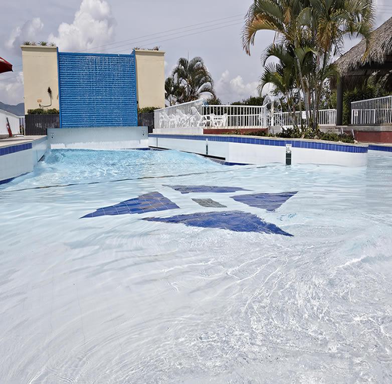 piscina de olas lomas del viento