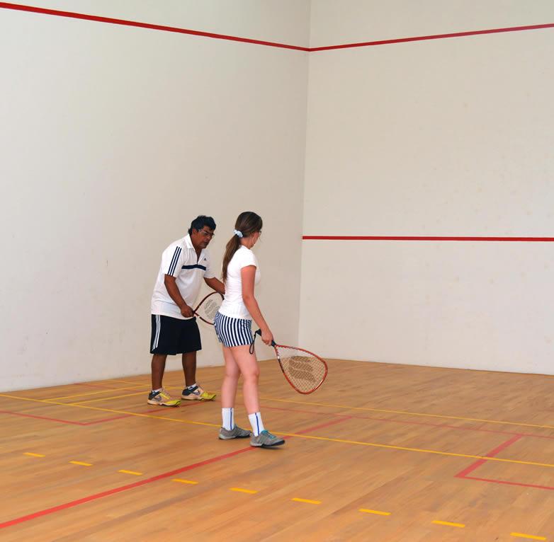 practica de squash en lomas del viento